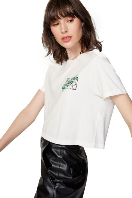 52102878_0003_2-T-SHIRT-CROPPED-FITA-CASSETE